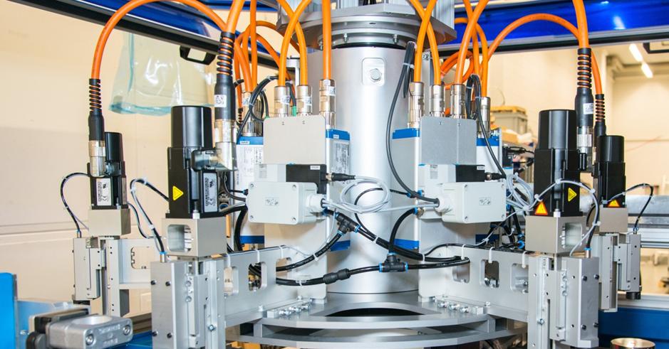 MEQuadrat - Rundschalttisch - Werkstoffen eine Orientierung geben