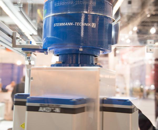La soluzione di sicurezza certificata TÜV si basa su un anello collettore di Stemmann-Technik.