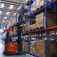 Kollmorgen NDCSolutions, High Reach AGV in 3PL warehouse
