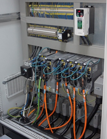 Kollmorgen Mezit AKD and AKD PDMM Servo Drives